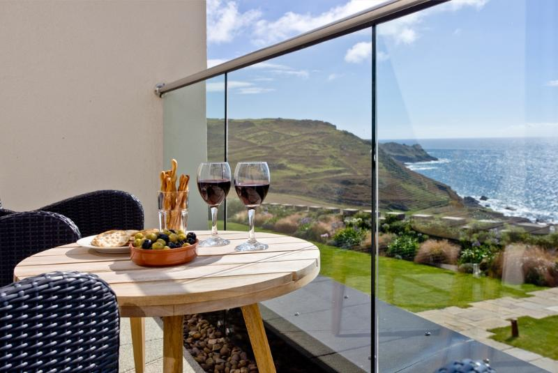 Apartment 1, Gara Rock located in East Portlemouth, Devon - Image 1 - East Portlemouth - rentals