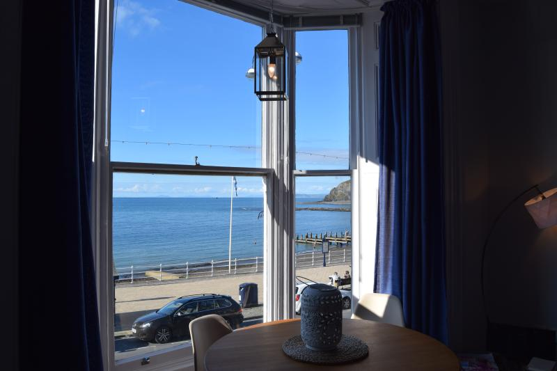 Awel Mor 4, Sea View Apartment - Image 1 - Aberystwyth - rentals