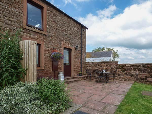 STABLE COTTAGE, owner's farm, woodburner, WiFi, ample parking, private patio, near Wigton, Ref. 919488 - Image 1 - Wigton - rentals