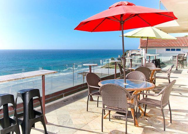 backyard view  - Premier Oceanfront rental, 5br, 3ba,rooftop deck, spa,Designer Decorated & AC - Encinitas - rentals
