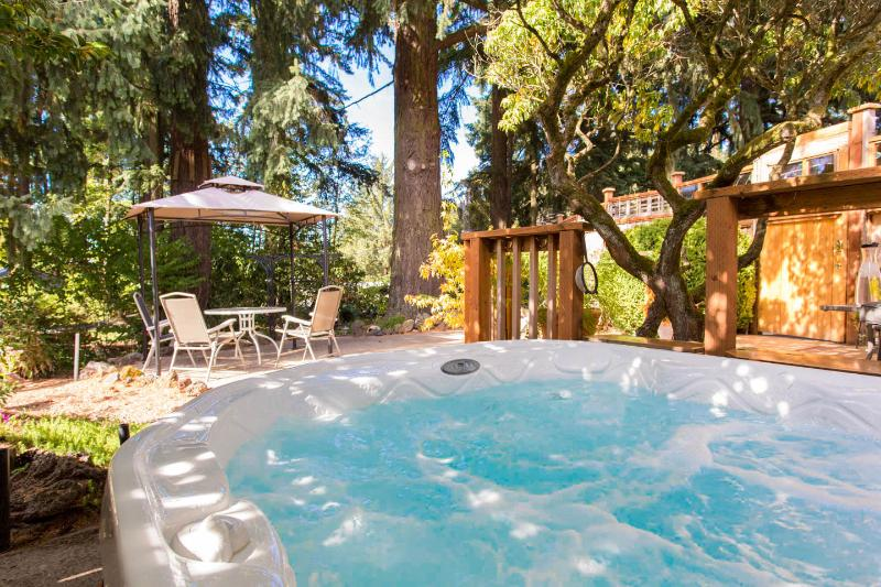 Your Hot Tub - Couple's Garden Apt Retreat,  Private Hot Tub - Portland - rentals