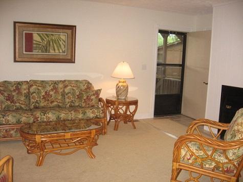 Living Room - 084-4 - Bronston - rentals