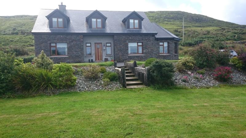 Waterville Penny-lane Cottage on Ring of Kerry. - Image 1 - Waterville - rentals
