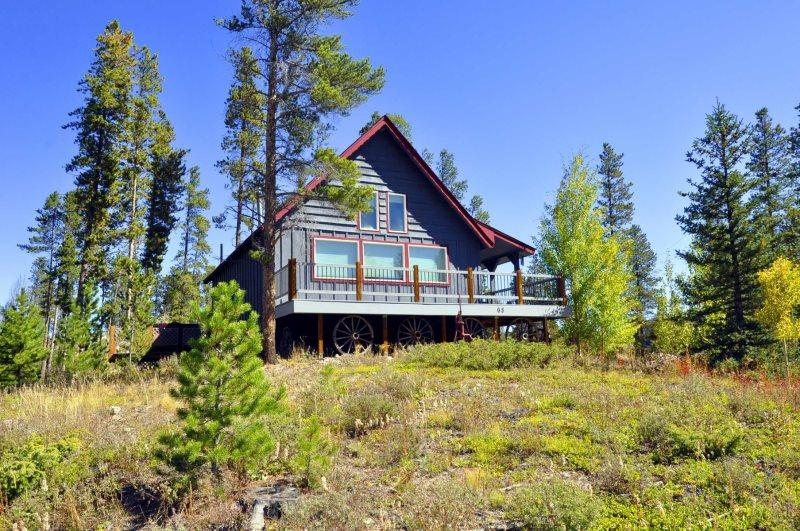 Located in a quiet neighborhood just minutes from downtown Frisco. - Cabin in the Woods - Frisco - rentals