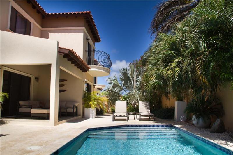 3 Bedroom Villa - Diamante 165 - Image 1 - Noord - rentals