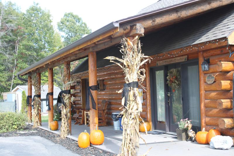 Fall has arrived! - The Lodge - New Lisbon - rentals
