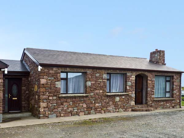 THE STONE COTTAGE, pet friendly in Tully, Ref 928420 - Image 1 - Tully - rentals