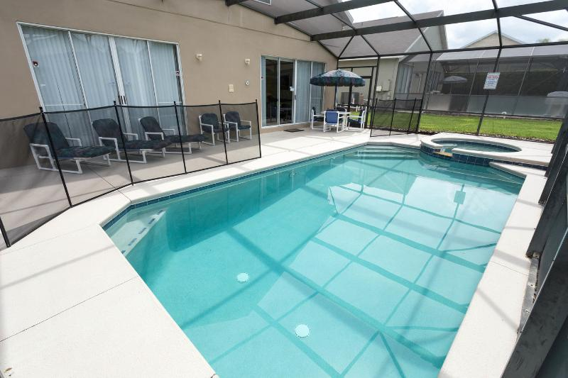 The Pool - 5 Bdrm Home with Pool & Gameroom- Close to Disney - Clermont - rentals