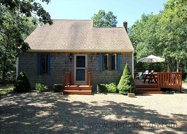 Delightful home in a secluded neighborhood on a quiet street near town - Image 1 - Edgartown - rentals