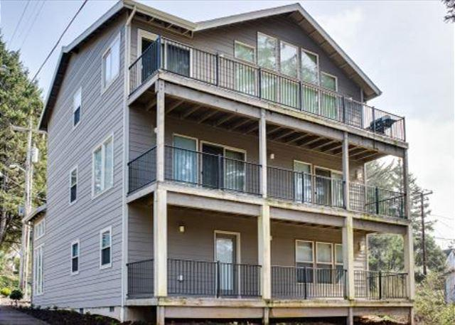 Spacious Four-Bedroom Home Close To Beach And Attractions! - Image 1 - Lincoln City - rentals