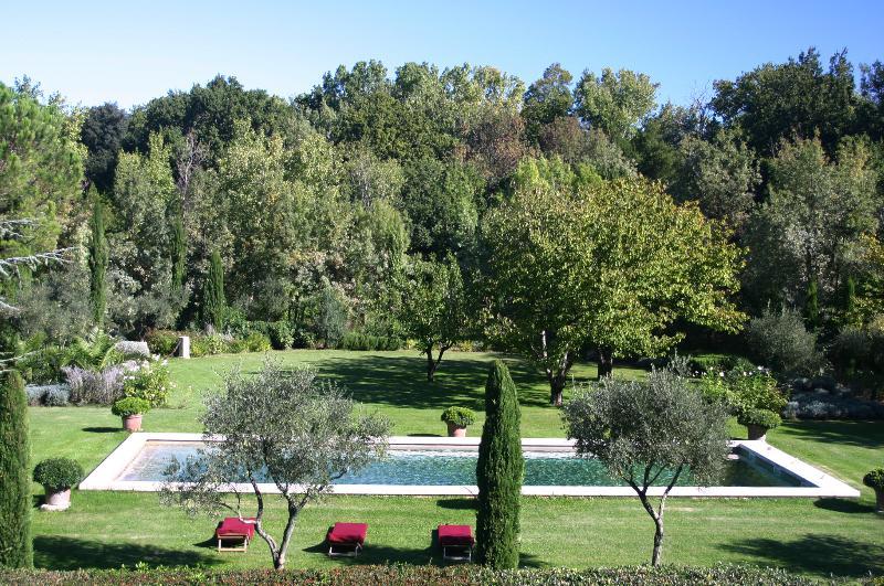 Bastide des Oliviers in Provence, Gorgeous 11 Bedroom Villa - Image 1 - Saint-Martin-de-Crau - rentals