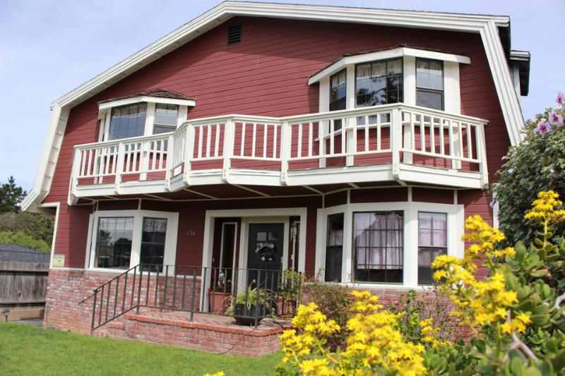 Ocean's Breeze on Bay  Spacious 4bed/3bath + game room. - Image 1 - Morro Bay - rentals