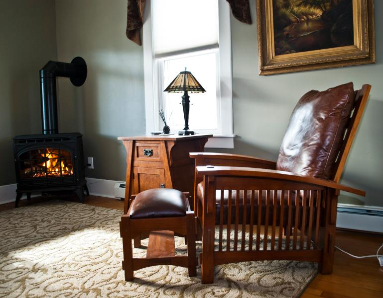 Warm inviting living room with stove - Dr. Lee Town Home - North Creek - rentals