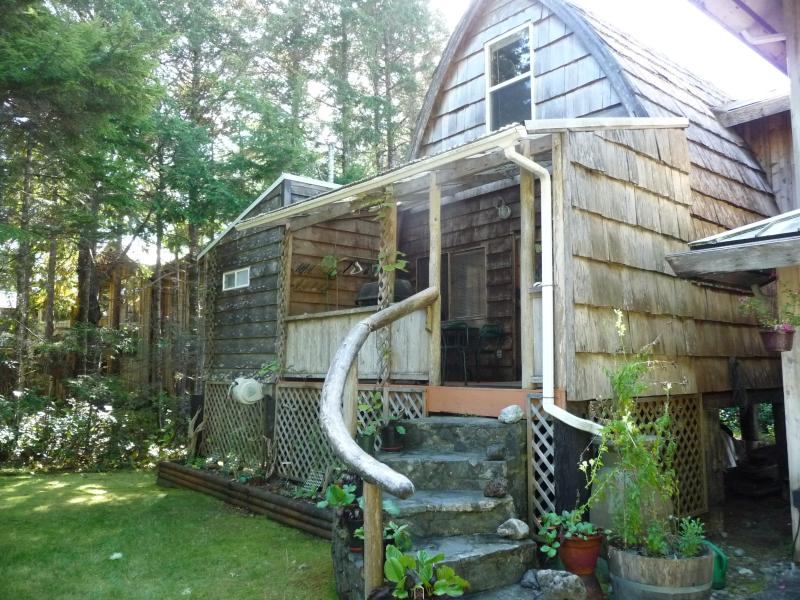 Michel's Cabin - Image 1 - Tofino - rentals