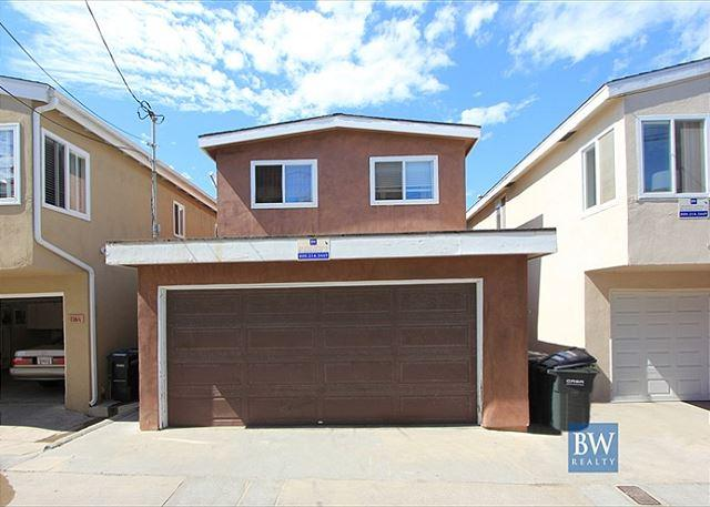 Great Upper Unit of a Duplex! Close to the Beach & Newport Pier! (68214) - Image 1 - Newport Beach - rentals