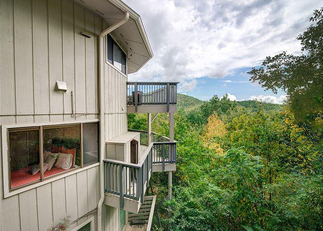 Hanging Round | Mountain-top Views | Montreat Vacation Rental - Image 1 - Montreat - rentals