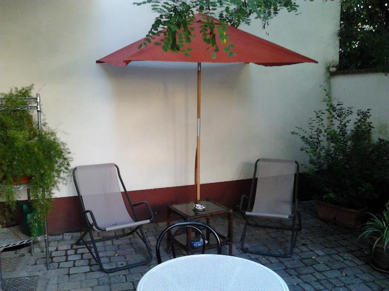 Romantic 1 Bedroom with Garden, Parking, and Wifi - Image 1 - Florence - rentals