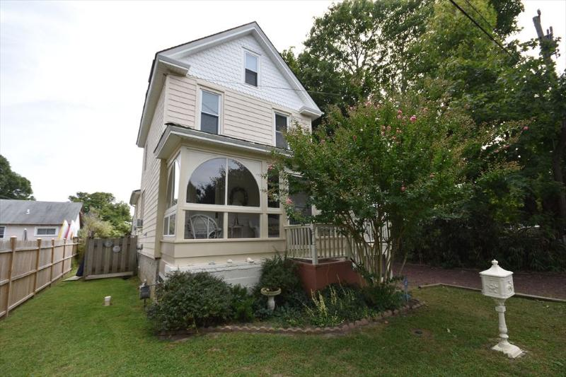 Property 3815 - 4 Bedroom-2 Bathroom House in Cape May (7359) - Cape May - rentals