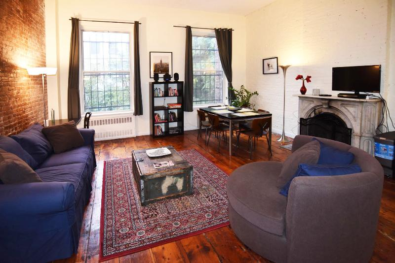 Spacious 2 bed/2 bath (entire 2nd floor) - Image 1 - New York City - rentals