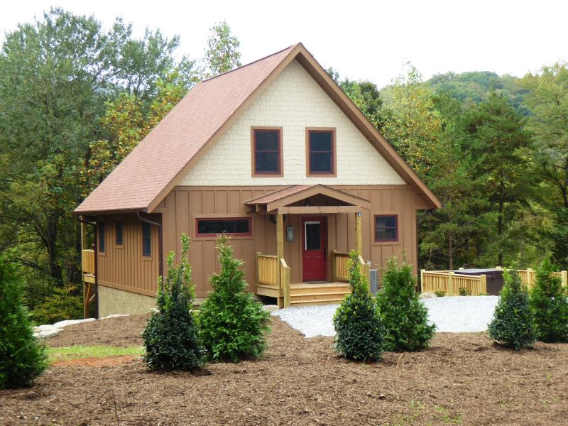 Fox Ridge Cabin is brand new and ready for you to enjoy !! - FOX RIDGE CABIN NEW Mountain Cabin near Casino - Cherokee - rentals