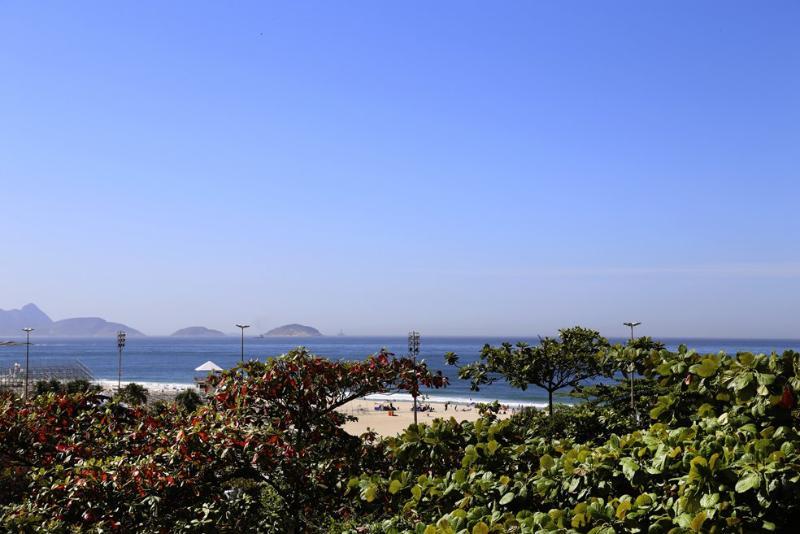 Rio026 - Apartment in Copacabana with balcony and sea view - Image 1 - Copacabana - rentals