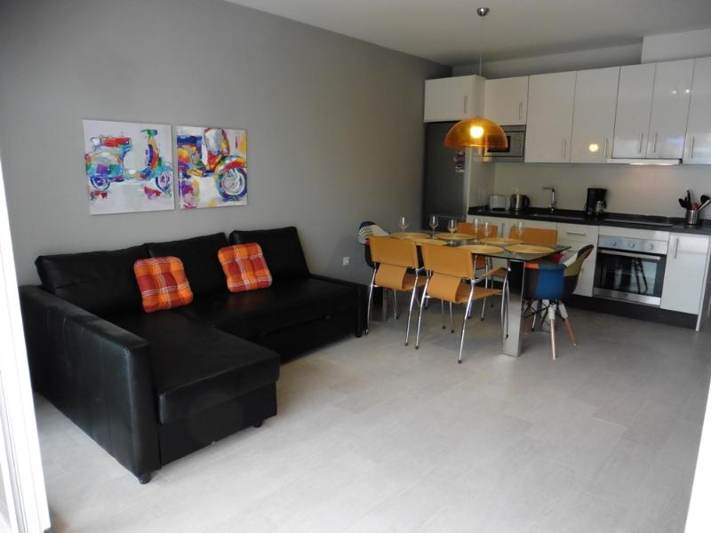 Living/Dining Rooms + Kitchen - Recently remodeled / 2 bedrooms -1 bath + WiFi - Benalmadena - rentals