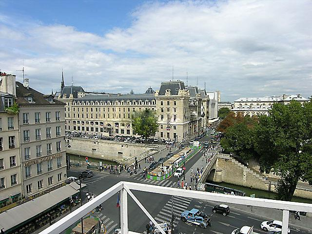 Area Picture - Triplex 2 Bedroom 70 m² Saint Michel-Notre Dame - Paris - rentals