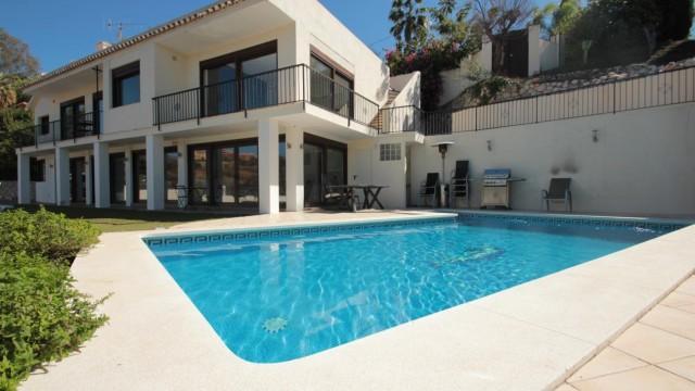 Villa Holley Golf - Image 1 - Marbella - rentals