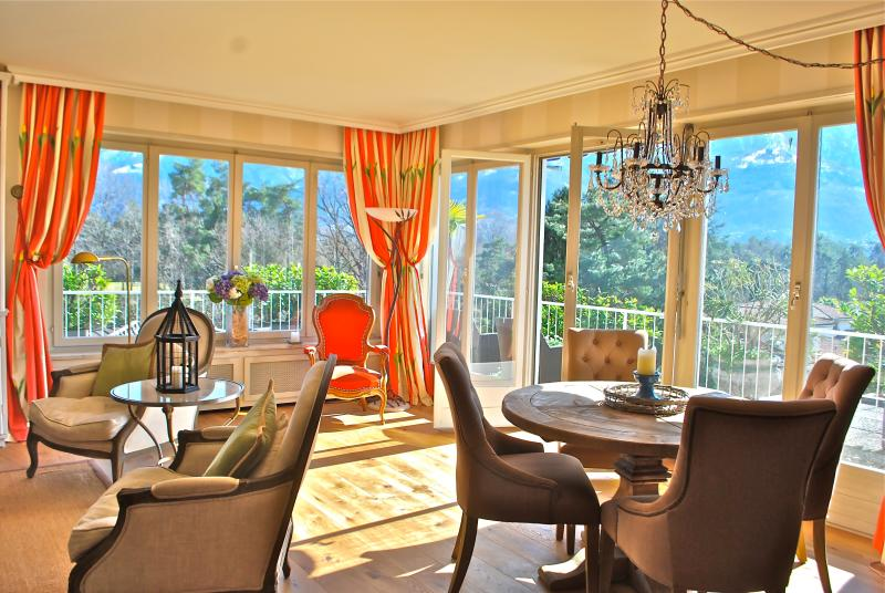 Stunning Ascona Penthouse steps to Golf & Beach - Image 1 - Ascona - rentals