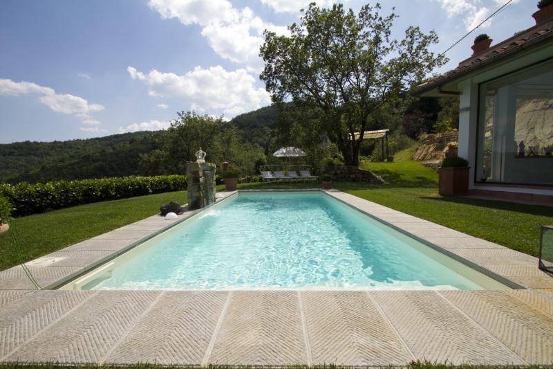 3 bedroom Villa in Bagno a Ripoli, Florentine hills, Arno Valley, Italy : ref - Image 1 - San Donato In Collina - rentals