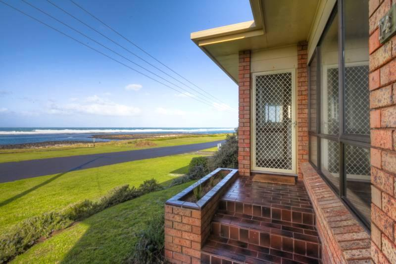 Swimmers' Rest - Image 1 - Port Fairy - rentals