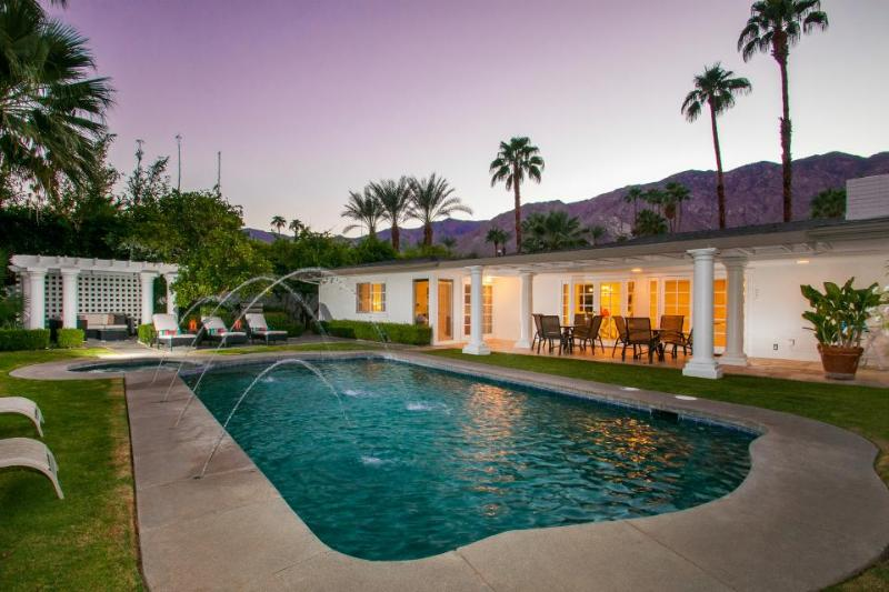 Open golf course property w/ private pool and hot tub - relaxing and spacious! - Image 1 - Palm Springs - rentals