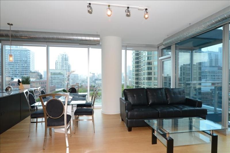 Chicago DT 2BR Suites in the Heart of River North - Image 1 - Chicago - rentals