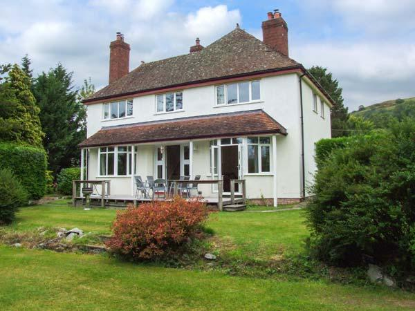HILLSIDE, detached family home, woodburners, enclosed garden, pet-friendly, in Church Stoke, Ref 921217 - Image 1 - Church Stoke - rentals