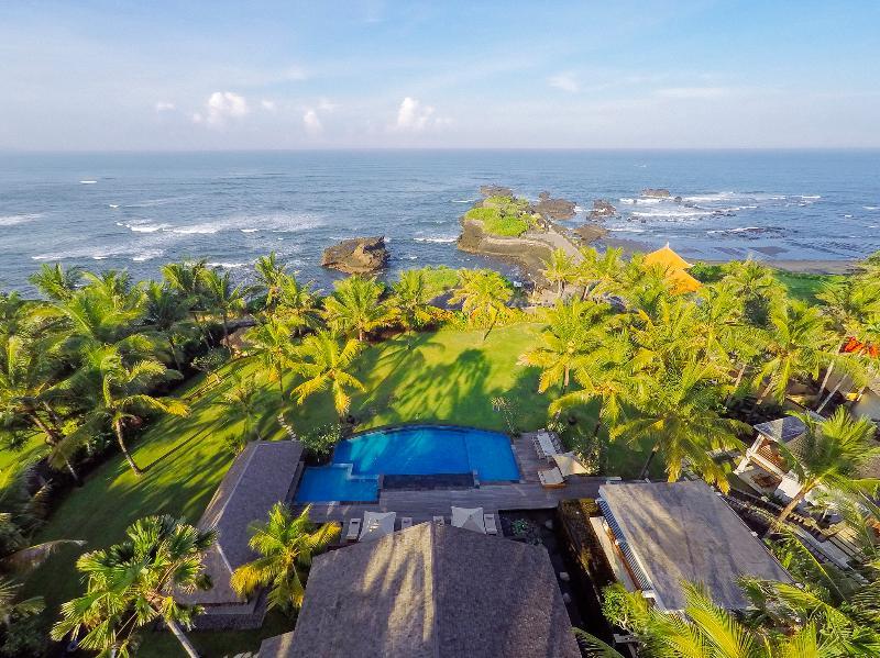 Villa Semarapura - Aerial - The villa, pool, gardens and sea - Villa Semarapura - an elite haven - Tanah Lot - rentals