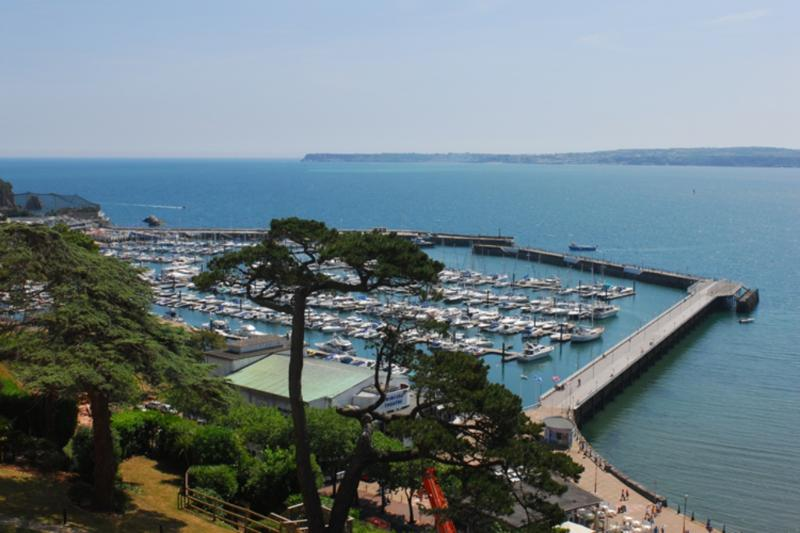Totnes, Bay Fort Mansions located in Torquay, Devon - Image 1 - Torquay - rentals