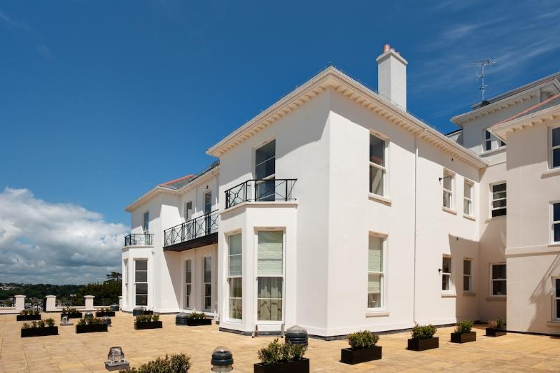 8 The Bay located in Torquay, Devon - Image 1 - Torquay - rentals