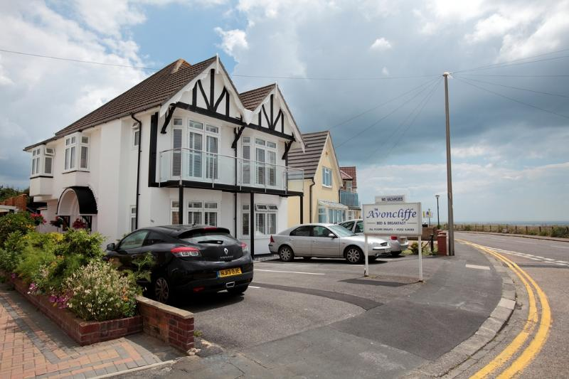 The Avoncliffe located in Bournemouth, Dorset - Image 1 - Bournemouth - rentals