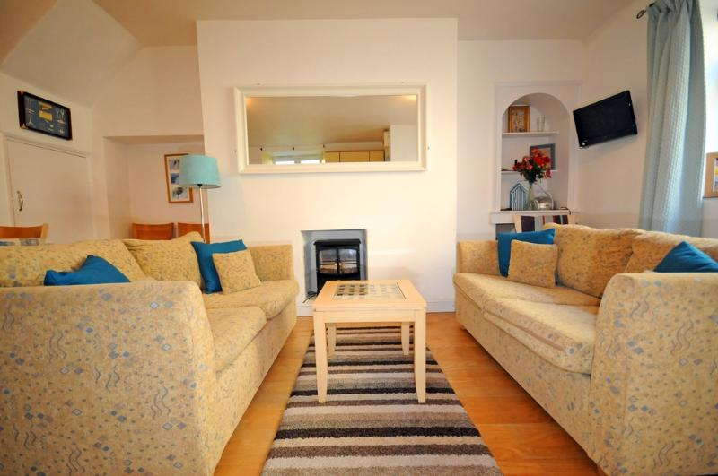 Buoys Cottage located in Shaldon, Devon - Image 1 - Teignmouth - rentals