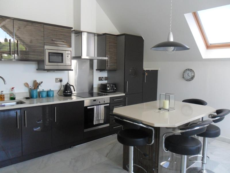 10 The Creekside located in Looe, Cornwall - Image 1 - Looe - rentals