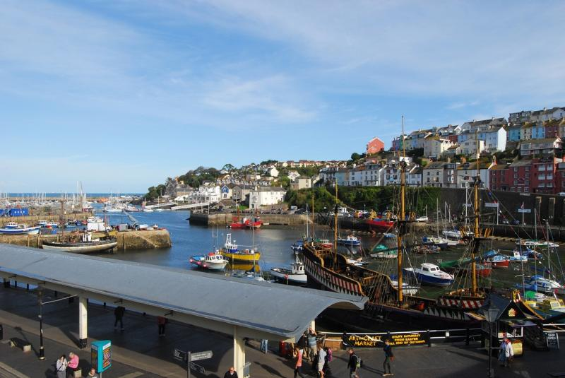 2 Fishermans Loft located in Brixham, Devon - Image 1 - Brixham - rentals