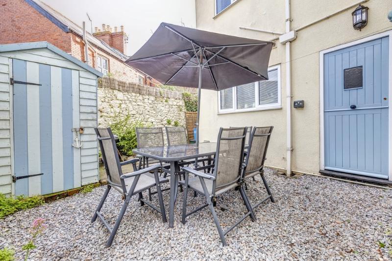 Driftwood Cottage located in Exmouth & Topsham, Devon - Image 1 - Lympstone - rentals