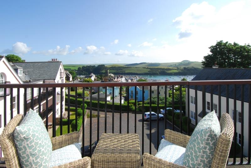 16 Combehaven located in Salcombe, Devon - Image 1 - Salcombe - rentals