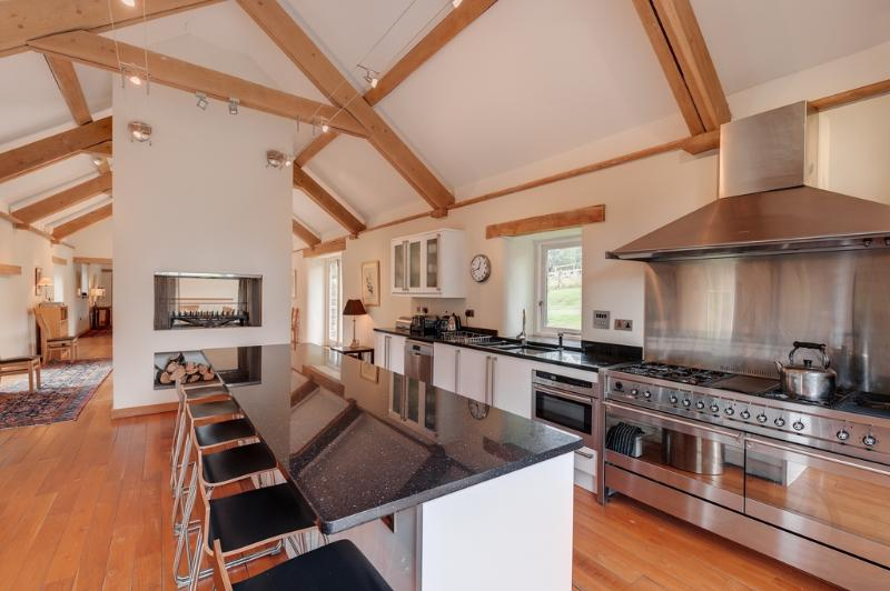 Coombe Farm located in Salcombe & South Hams, Devon - Image 1 - Salcombe - rentals