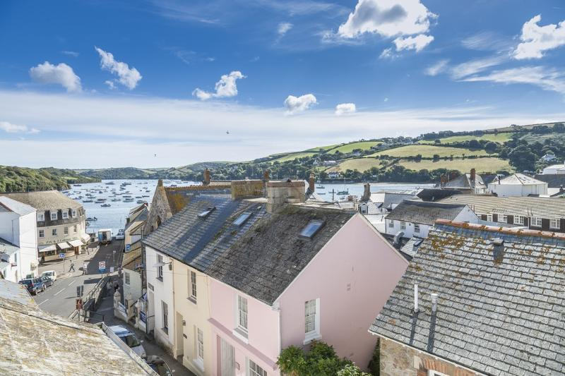 4 Courtenay Cottage located in Salcombe & South Hams, Devon - Image 1 - Salcombe - rentals
