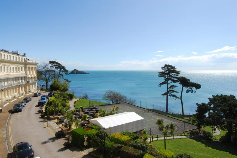 Horizon, Hesketh Crescent located in Torquay, Devon - Image 1 - Torquay - rentals