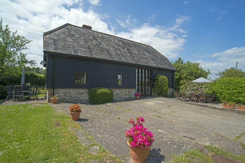 Little Duxmore Barn located in Ryde, Isle Of Wight - Image 1 - Ryde - rentals