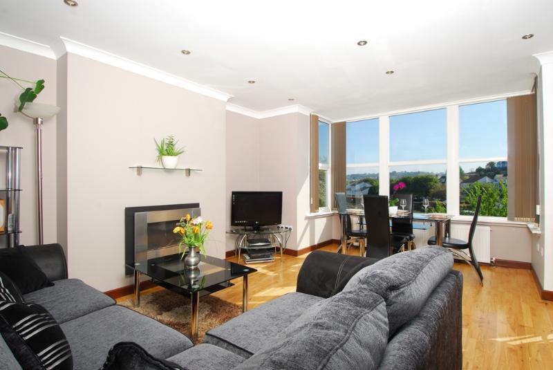 Apartment 3 High Gables located in Paignton, Devon - Image 1 - Paignton - rentals
