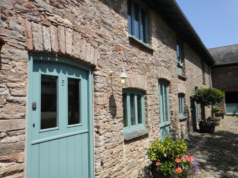 Jade Cottage located in Brixham, Devon - Image 1 - Brixham - rentals