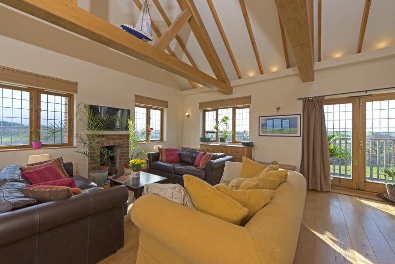 Hill Top, Dairy Farm House located in Newport, Isle Of Wight - Image 1 - Newport - rentals